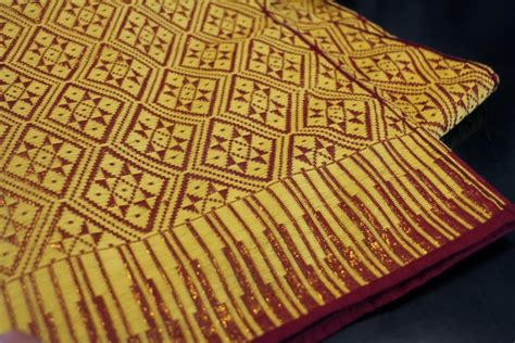 Songket Khas Lombok kamboja butik oleh oleh lombok songket khas lombok