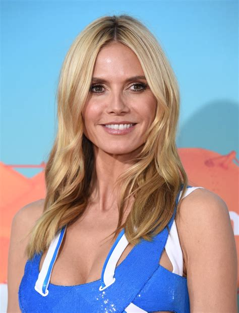 Choice Awards Wavy Trend by Heidi Klum Shows Side For Hunger Magazine 10