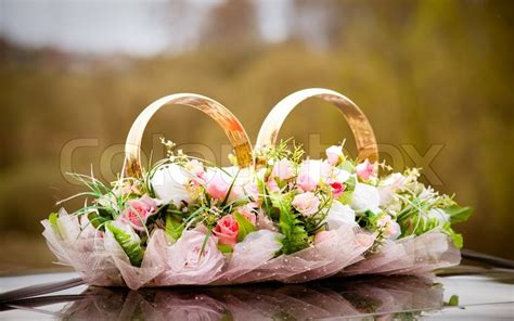 wedding symbols bunch  flowers  couple  rings