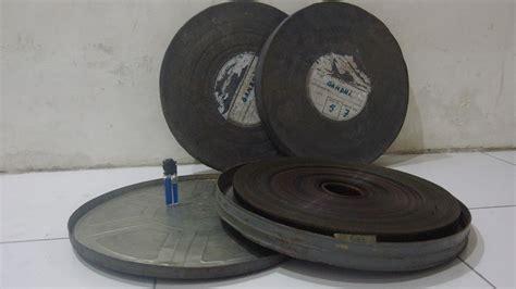 Jam Dinding Mirado Hitam jual barang stw seluloid 35 mm a k a bioskop