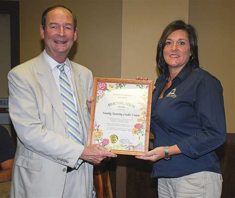 hartselle beautification association announces award