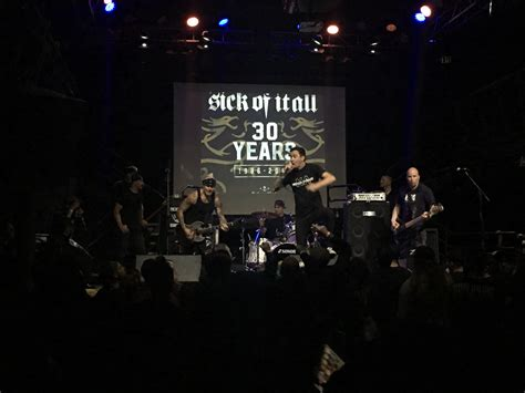 Kaos Sick Of It All Built To Last Gildan Tshirt built to last 30 years of sick of it all live review