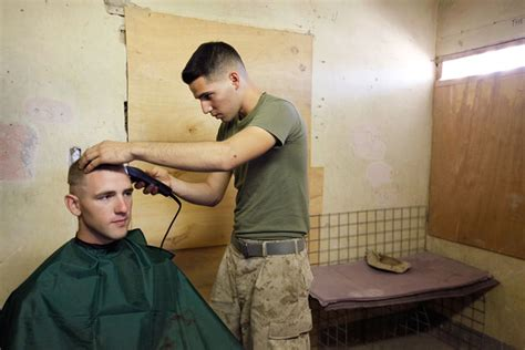 us marines haircut matthew lucas pictures us marines protect vital kajaki