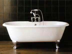 baignoire en fonte baignoire ilot en fonte sur pieds draycott