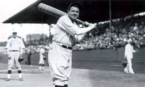 players who came to breaking mlb home run records