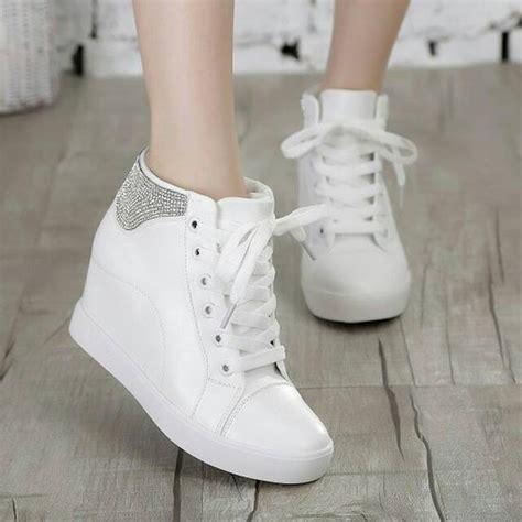 Sepatu Kets Putih jual sepatu kets wedges boots putih boots wanita wedges