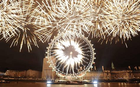 new year s eve london celebrations big ben lights up the