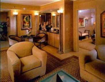 Luxor One Bedroom Luxury Suite lucky in las vegas april 30th 2011