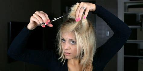 cara catok rambut di rumah langkah langkah trimming rambut di rumah okezone lifestyle