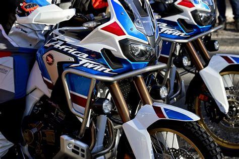 hondanin  motosikletleri yola cikiyor oto ajanda