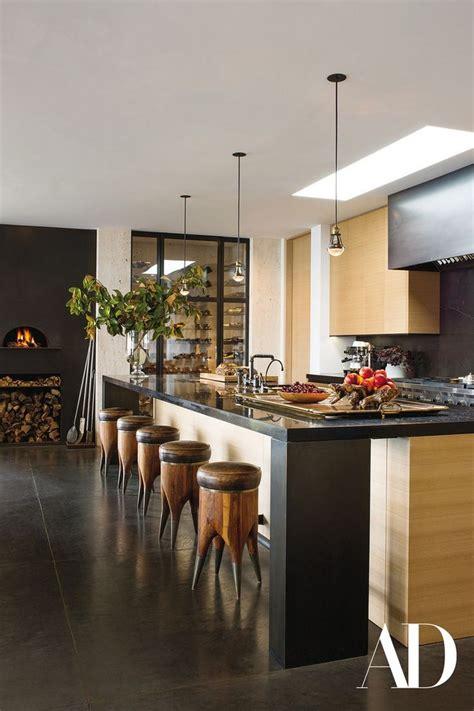 jennifer aniston reveals  modern home  ad magazine