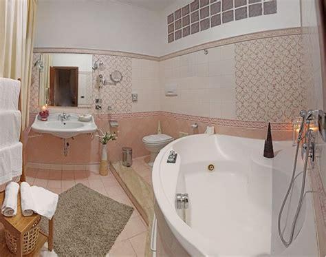 hotel con suite e vasca idromassaggio camere e suite con idromassaggio e sauna camere a tema con
