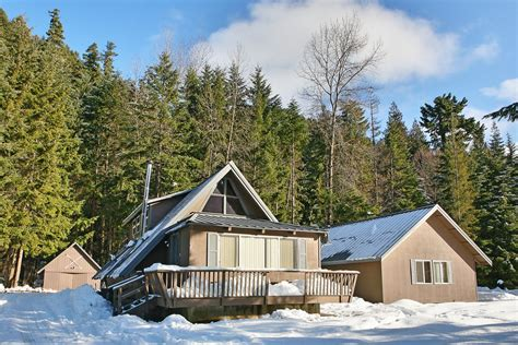 Mountain Cabin Rentals Washington by Getaway Chalet Bunkhouse Vacation Rental Cabin
