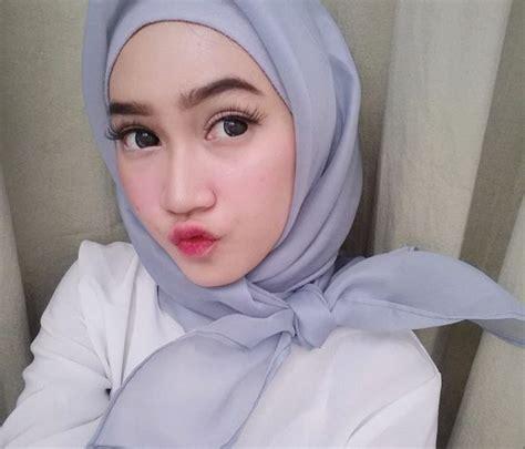 Pembersih Wajah Dove dove foam satu satunya pembersih wajah di indonesia yang dilengkapi serum kecantikan