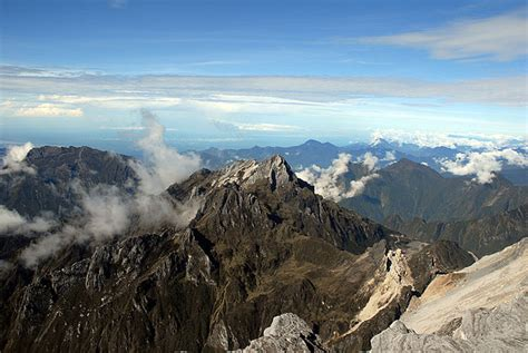 Piramid Putih seven summits la sfida mondiale per gli alpinisti di serie a