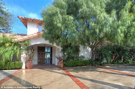 Courteneys Malibu Pad Up For Sale by Penn Sells Malibu Home For 6 5m To Start New