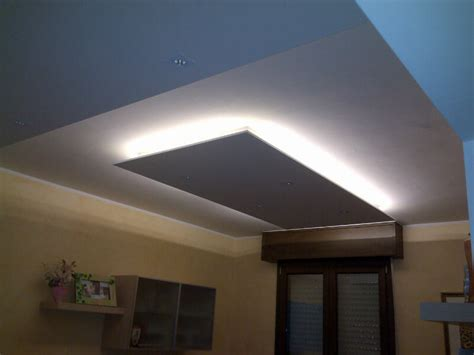 controsoffitto a led soffitto cartongesso led idee creative di interni e mobili