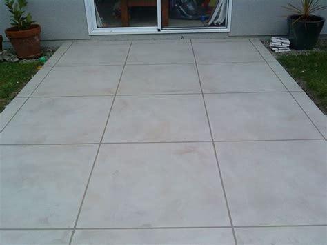 piastrelle da esterno in cemento mattonelle in cemento tipi di mattonelle variet 224 e