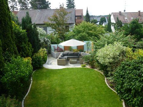 pflegeleichte gärten gestalten wie kann ein kleiner garten modern gestaltet werden