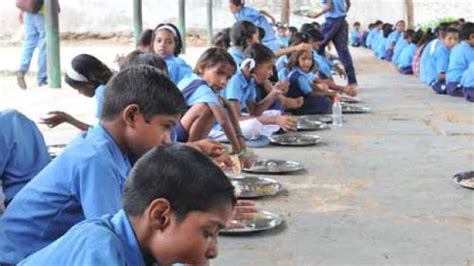 Essay On Mid Day Meal Tragedy by Bihar Mid Day Meal Tragedy Absconding Husband Of School Principal Files Anticipatory Bail