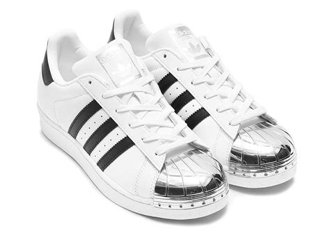 Sepatu Adidas Superstar White Gold adidas superstar gold toe silver toe release info sneakernews