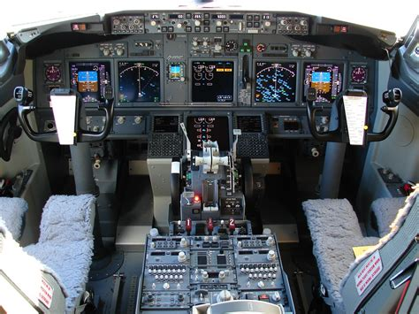 b737 max flight deck file the 737 800 flight deck 3852492599 jpg wikimedia