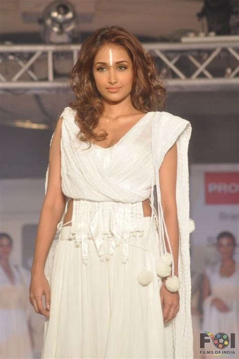 Shiny Fashion Tv The Style Council Is Back by Jiah Khan Cotton Council Fashion Show In Mumbai 17