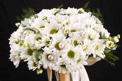 Wedding Bouquet Of Daisies by Bridal Bouquets Wedding Bouquets White