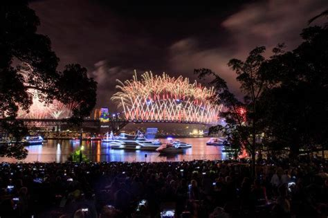 New Year S Eve Fireworks Are No Fun For Pets Says Rspca Botanical Gardens Sydney New Years