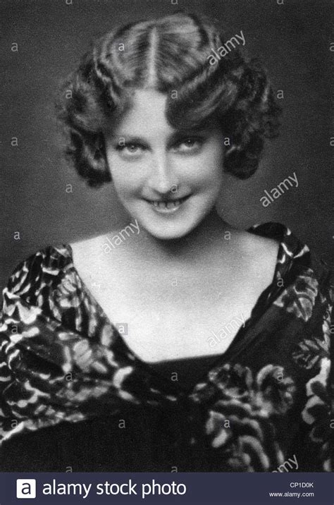 perms in the 1930s people women woman portrait 1930s permanent wave