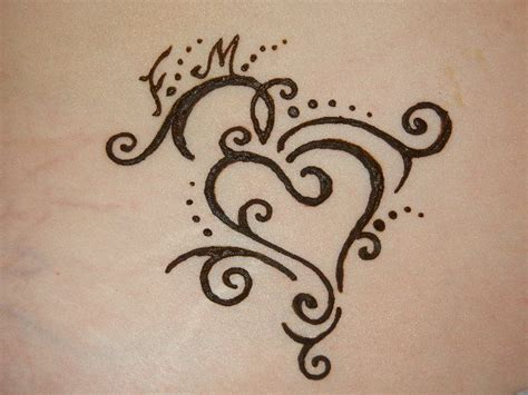 henna heart tattoos moroccan henna designs and meanings henna design gallery
