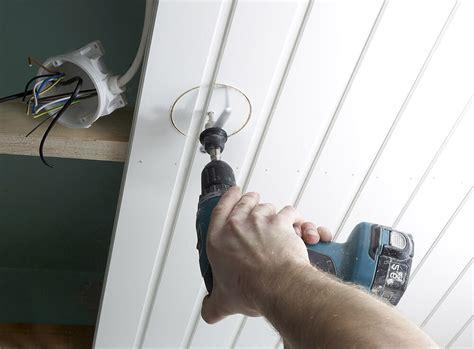 Comment Lessiver Un Plafond 4525 by Comment Lessiver Un Plafond Nettoyer Un Plafond Tendu