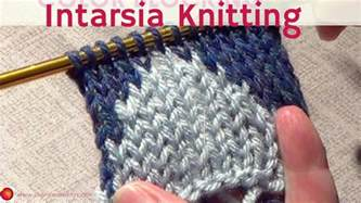 how to knit with two colors knitting color blocking two color knitting intarsia