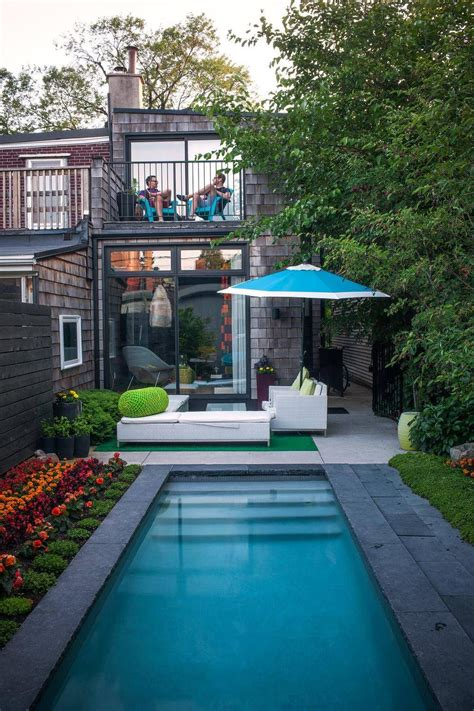 dazzeling  small pool designs   making waves