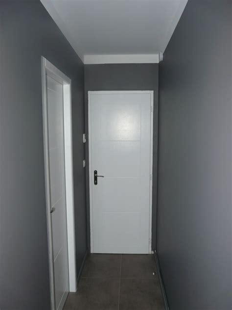 Peinture Blanc Gris by Decoration Couloir Gris Et Blanc Survl