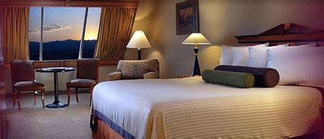Rooms At The Luxor Pyramid by Luxor Hotel And Casino Las Vegas Hotels Las Vegas Direct