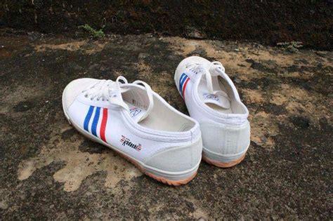 Sepatu Capung jual sepatu capung kodachi 8111 ukuran 45 badminton