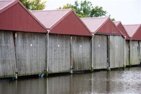 ligplaats leeuwarden schiphuis boothuis overdekte ligplaats in leeuwarden te