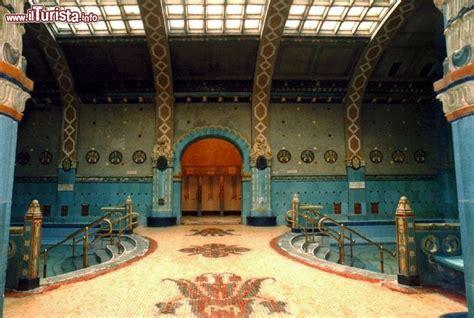 bagni gellert budapest mosaici bagno termale gellert guarda tutte le foto