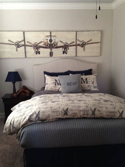 airplane bedroom decor 25 best ideas about airplane art on pinterest airplane