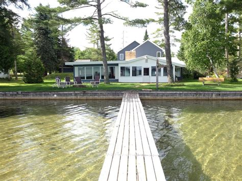 torch lake cottages torch lake sandbar cottage 5 br vacation house for rent