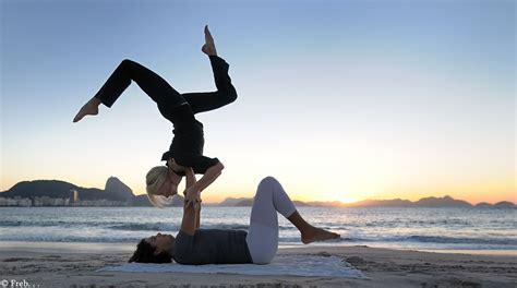 imagenes de yoga acrobatico freb acro yoga by frederic ballart on deviantart