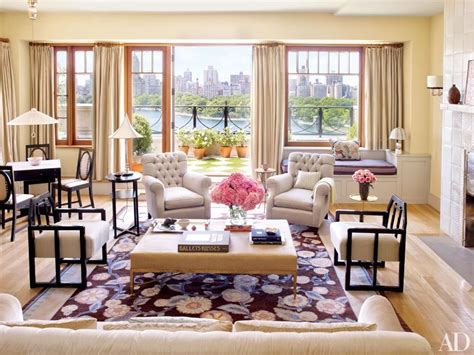the living room ny guess which celebrity lives in this stunning nyc triplex