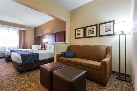 Hotels With In Room Rochester Ny by Comfort Suites Rochester Updated 2018 Prices Reviews