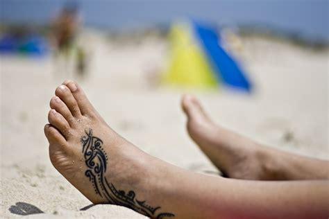 tattoo zetten op bali voet tattoos tattoo platform