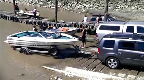 boat r fails youtube boating fail everyone is getting wet you got to watch