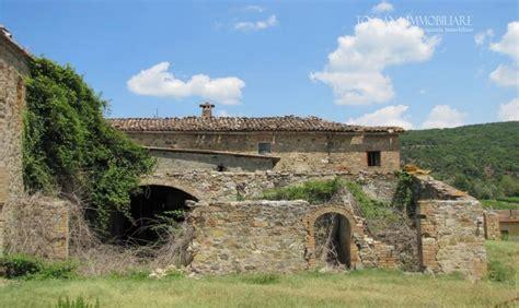 vendere da casa vendita a montalcino casale in pietra da ristrutturare