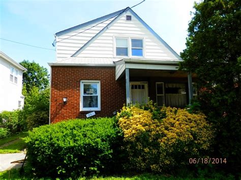 house for sale new hyde park 535 7th avenue new hyde park ny 11040 reo home details reo properties and bank