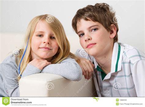 imagenes mamonas para hermanas hermana y hermano foto de archivo libre de regal 237 as