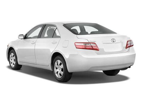 Toyota Camry 2008 Le Reviews Car And Driver 2008 Toyota